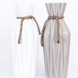 vas ceramic , vaza , alb si gri